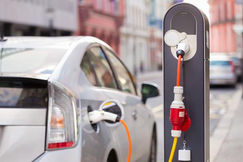 전기 자동차가 석유 수입을 40퍼센트 줄일 것이다.