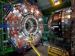 대형 강입자 충돌 가속기가 Dark Matter를 다시 찾아 나선다.