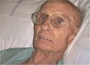의식 불명 상태에서 69년 만에 깨어난 제임스 힐