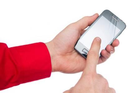 NSA는 스마트폰 위 손가락의 움직임만으로 사용자의 신분을 알 수 있다.