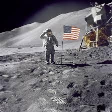 러시아는 미국의 달 착륙을 의심한다.
