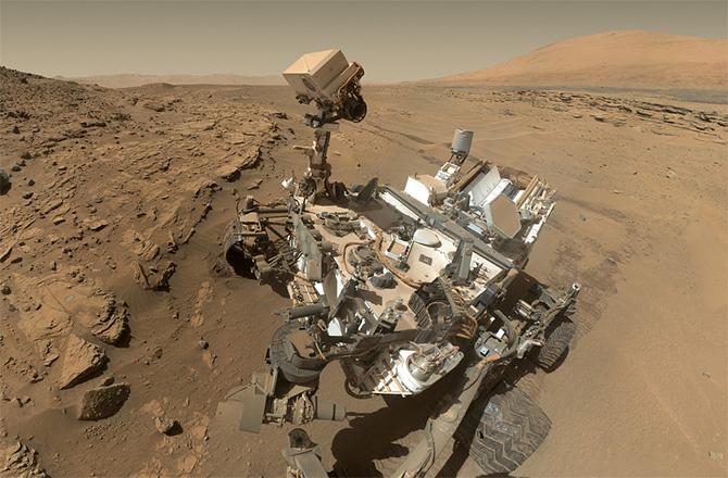 화성 탐사선 큐리오시티가 이상한 생명체 사진을 보냈다?