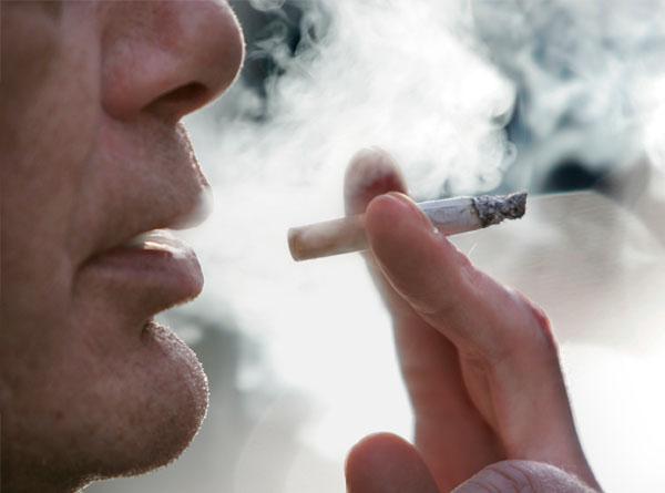 보기 드문 '건강한' 흡연가들의 폐의 비밀이 드러나다.