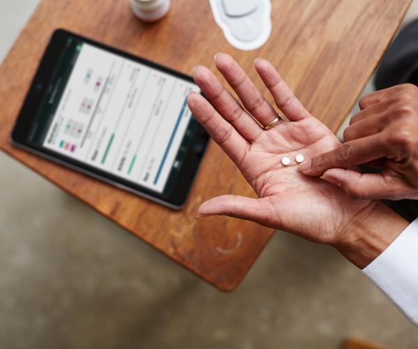 '디지털 알약' 이 미국 식약청의 승인을 기다리고 있다.