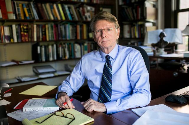 마이클 글레넌 교수와의 인터뷰, '투표가 정부를 변화시킬 수 없다'