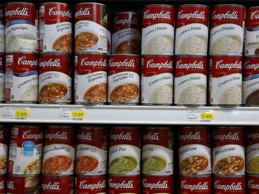 켐벨 스프 컴퍼니는 GMO 재료를 사용하는 제품에 라벨을 붙이기로 결정했다.