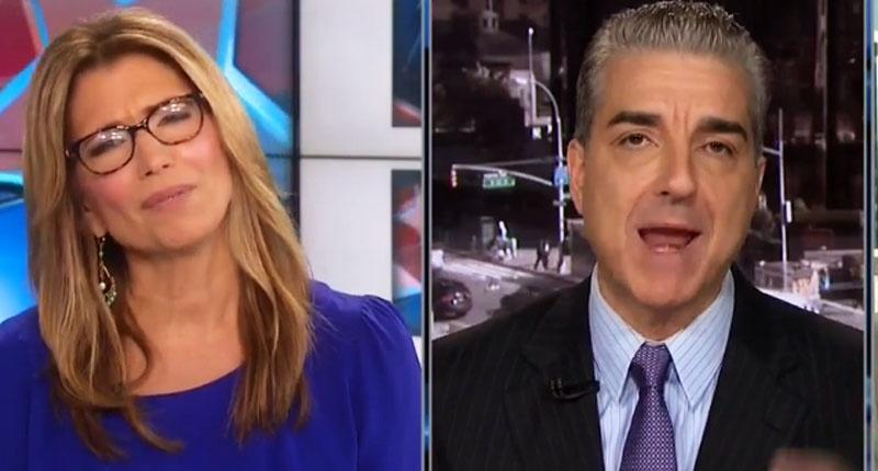 CNN이 인터뷰 중에 힐러리에 대한 공격을 차단하다.
