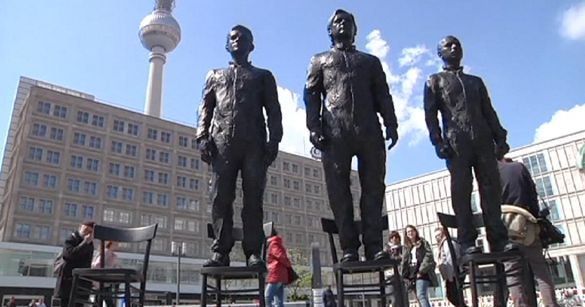 베를린에 세워진 스노든, 어샌지, 매닝의 동상