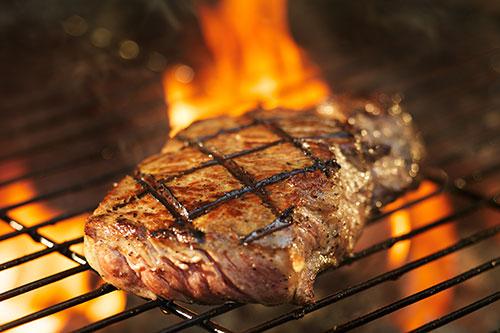 150만 명을 대상으로 한 연구는 고기 섭취가 사망율을 증가시킨다고 말한다.