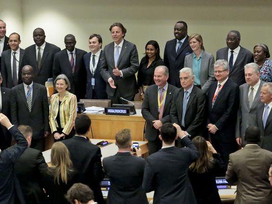 미국은 무장 갈등시 민간인 보호를 위해 자국 내 유엔군 파병을 허용한다.
