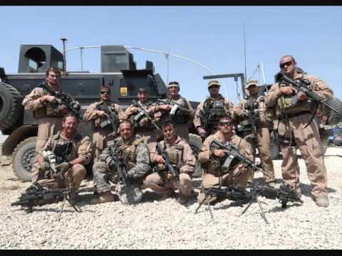 미국은 아프가니스탄에 거의 삼만 명의 용병을 파견했다.