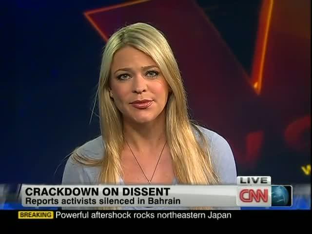 전 CNN 기자는 정부가 거짓을 보도하도록 돈을 지불한다고 주장한다.
