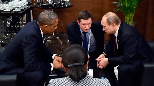 미국은 민주당 해킹에 대해 러시아에게 경고한다.