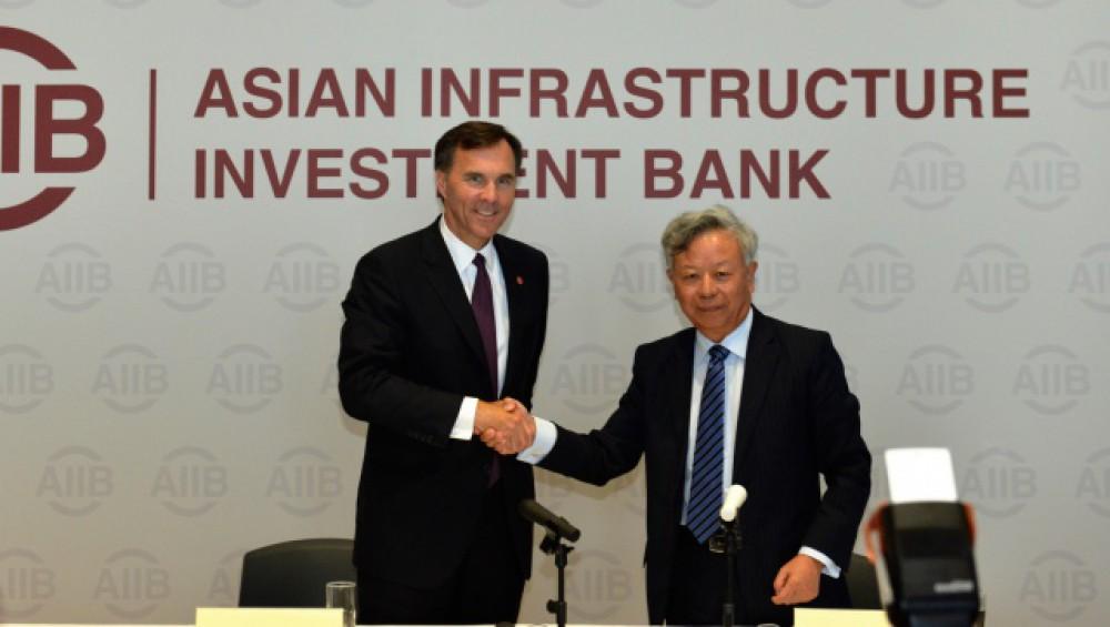 캐나다는 중국이 주도하는 인프라 은행에 가입한다.