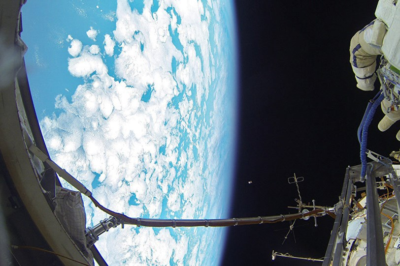 러시아 우주인 보리센코는 지구가 둥글다는 비밀을 폭로했다.