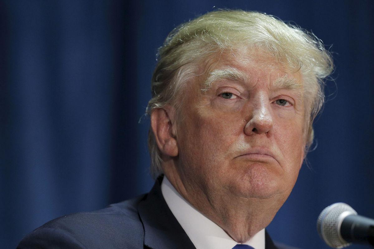 트럼프 대통령은 외국의 난민을 받아들이기 거부한다.