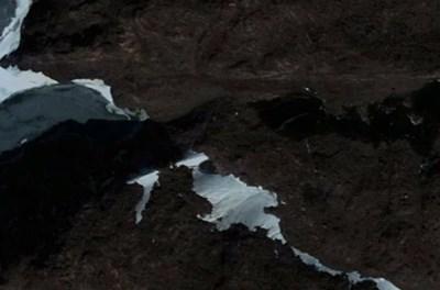 구글 어스에서 확인된 남극의 이상한 모습들
