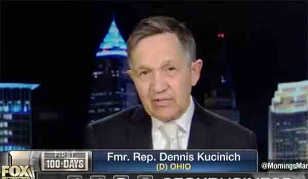 전 민주당 의원은 오바마 행정부 시절 도청을 당했다고 주장한다.