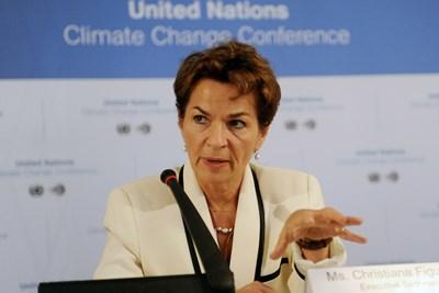 유엔 관리가 기후 변화 어젠다 뒤의 진실을 공개하다. (자동재생 주의)