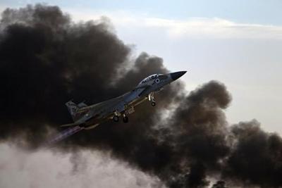 국경을 넘은 이스라엘 전투기를 격추시켰다고 주장하는 시리아 군