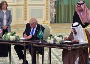 미국은 사우디와 3천5백억 불에 달하는 무기 수출 계약을 체결했다.