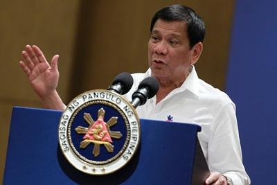 필리핀에 지원군을 파견한 미국과 지원 요청을 하지 않은 두테르테 정부