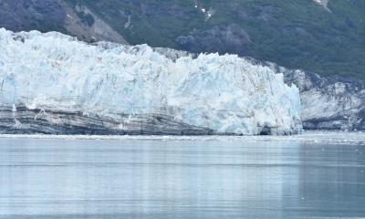 지구 내부의 열 손실이 북극의 빙상을 녹인다.