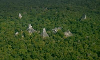 과테말라 정글에서 거대도시가 발견되다.