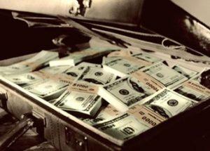 트럼프의 약점을 대가로 현금을 러시아 스파이에게 제공한 CIA