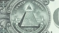'딥 스테이트'가 미국의 정책을 조종한다고 믿는 미국인들