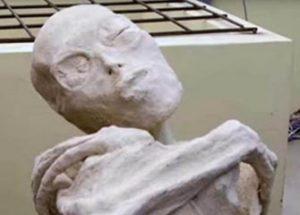 페루에서 발견된 미이라가 인간이 아닐 수 있다고 말하는 러시아 과학자