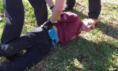 플로리다 고등학교 총격 단신 (3)