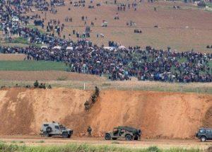 이스라엘 군의 팔레스타인 시위대 발포로 최소 16명이 사망하다.