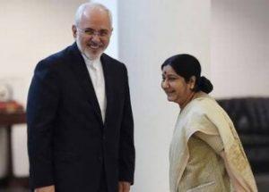 인도는 이란으로부터 달러 대신 루피로 원유를 구매한다.
