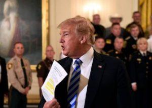 """""""나는 트럼프 행정부 내 저항세력의 일부이다"""""""