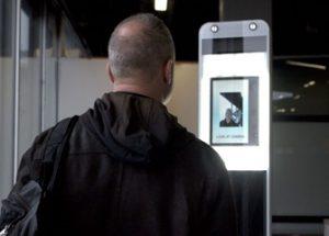 라스베이거스 공항에서 새 얼굴 인식 시스템을 시험하는 미 교통안전청