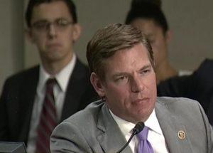 국민을 무장해제하기 위해 핵을 사용할 수 있다고 말한 미 의원