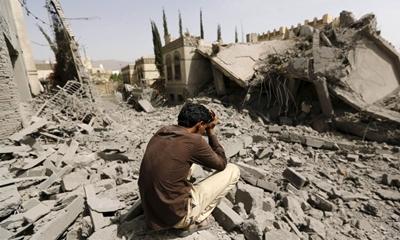 영국의 지원을 받는 예멘의 민간 시설을 파괴하는 사우디 연합군에 무기를 판매하는 영국