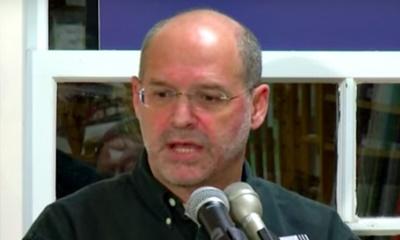 끝없는 전쟁을 지지하는 언론을 비판하며 사임한 NBC의 윌리엄 아킨