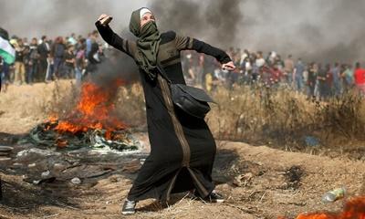 팔레스타인 시위대를 조준 사격한 이스라엘을 규탄하는 청원이 국제형사재판소에 제출되다