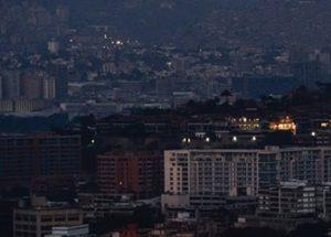 베네수엘라 정부, '전국적인 정전 사태의 원인은 전자기 공격'