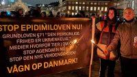 코로나 백신 의무 접종 법안을 저지한 덴마크 시민들